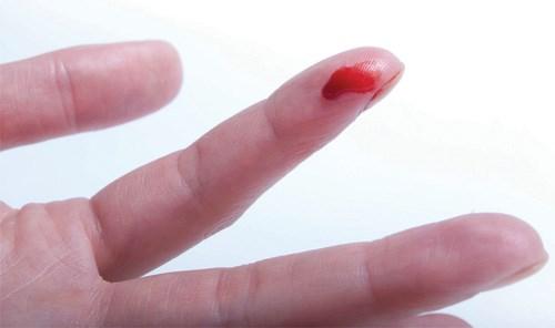 Xuất hiện máu báo và dấu hiệu đau bụng dưới